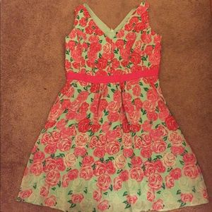 Vineyard Vines Kentuckey Derby dress.