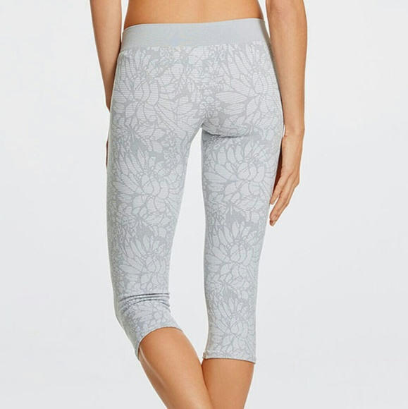 a543890f15a014 Fabletics Pants | Nwt Sebastian Seamless Tights | Poshmark