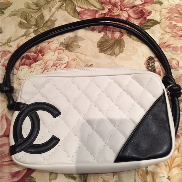 477909d7b45d96 CHANEL Handbags - Chanel Ligne Cambon Pochette Authentic bag