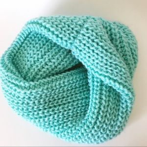 H&M chunky turquoise knitted infinity scarf