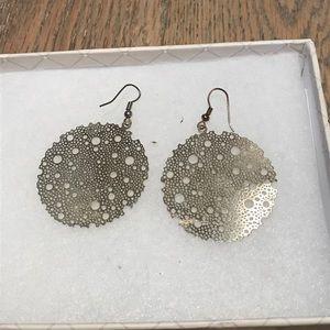 Jewelry - Gold bubble thin earrings