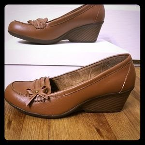 Sbicca Shoes - 9W Sbicca Comfortable Brown Wedge Loafer