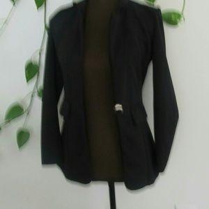Zara Black Blazer with Button and Pockets Jackets