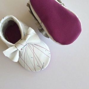 Honey & Hide Other - Paint Splatter Bow Handcrafted Moccasin