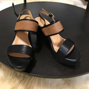 De Blossom Collection Shoes - Tommy Open Toe Textured Wedges