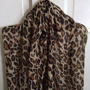 H&M Accessories - Leopard Print Scarf