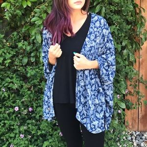 Tops - Blue Printed Throw Over Top