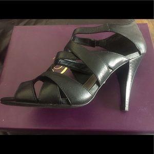 Black Fergie criss cross front heels