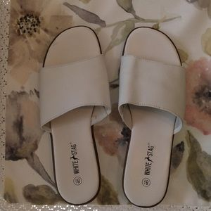 White Stag Shoes - ✨White Stag White Leather Sandals✨ 8 1/2✨✨