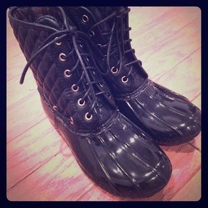 Adriana New York Shoes - Adriana Black Quilted Lined Waterproof Boots NWOT