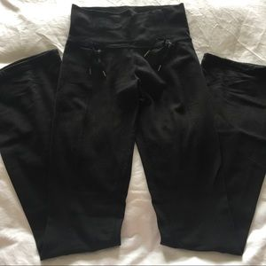 lululemon athletica Pants - Lululemon Athletica Black Yoga pants size 4
