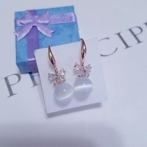 Jewelry - 14 Gold plated Crystal Cat Eye Stone drop earrings