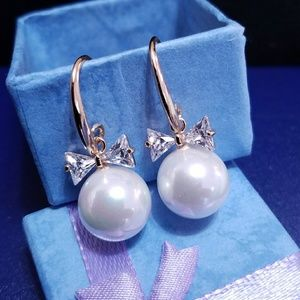 Jewelry - Gold plated Crystal bow pearl drop earring