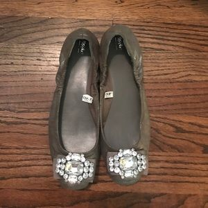 pewter/silver flats