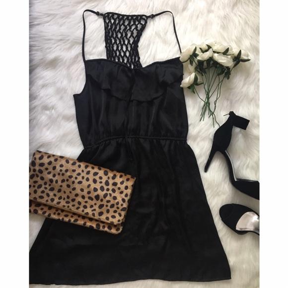 Xhilaration Dresses - 🖤 Black Ruffle Dress with Gorgeous Back Detailing