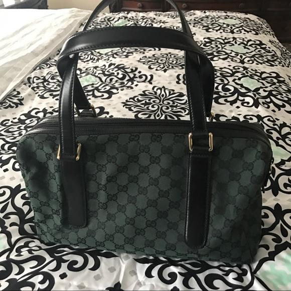 f424452e5c50 Gucci Handbags - LOWEST PRICE!! Emerald Green Gucci Bag