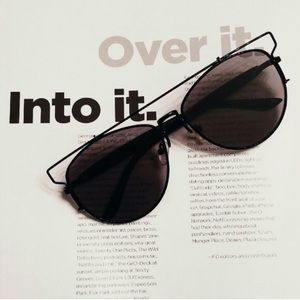 Karis' Kloset Accessories - Accessories | chic black on black retro sunnies
