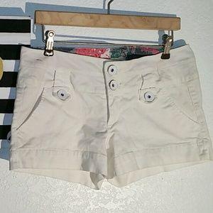 boom boom Pants - BOOM BOOM WHITE SHORTS SIZE 9