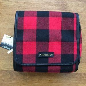 kenzie Handbags - Kensie (NWT) Travel Bag