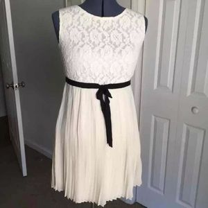 Forever 21 Cream Lace/Pleated Dress, Size M