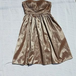 Bill Levkoff Dresses & Skirts - Bill Levkoff gold shimmer strapless formal dress