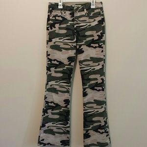 lei Pants - Vintage 90s Lei camo pants