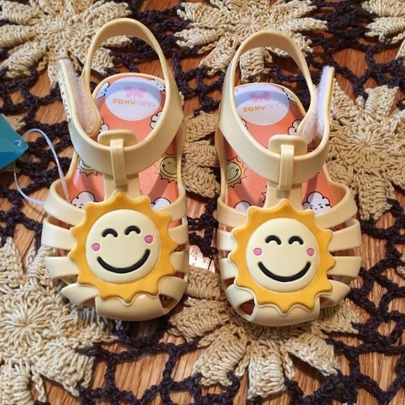 b7ead5670cb2 NEW Yellow Happy Baby Jelly Sandals