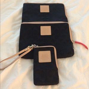 🤑iPhone and mini iPad case.