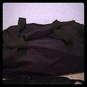 Sally hansen Other - Travel bag. 3 zipper compartments! Black.