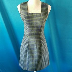 Alyn Paige Dresses & Skirts - Gorgeous fitted plaid design dress