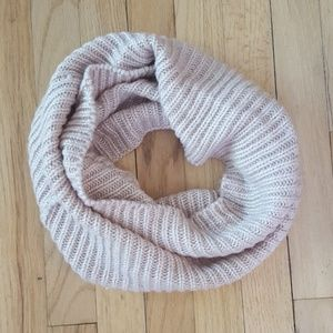 NWOT H&M baby pink infinity scarf. SO SOFT!
