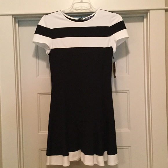 Peter Som Dresses & Skirts - NWT Black and White Dress by Peter Som size 8.
