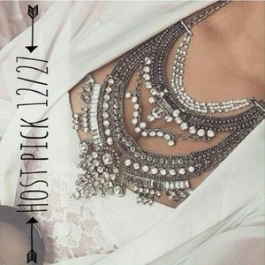 Jewelry | Chic Chick Statement Necklace