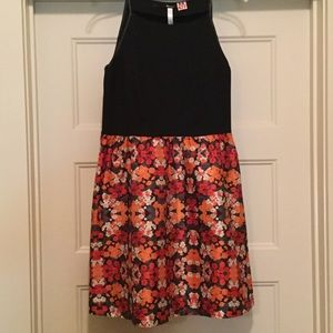 Like New Women's Sundress w/Faux Leather Trim Sz M