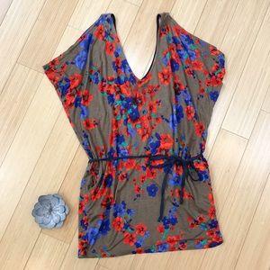 Solemio Tops - SOLEMIO open shoulder tunic shirt, M.