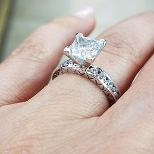 Jewelry - NEW ARRIVAL.  14k White Gold Engagement Ring