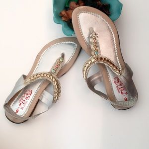 #A82 🎉HP🎉Gorgeous Silver Embellished Flats