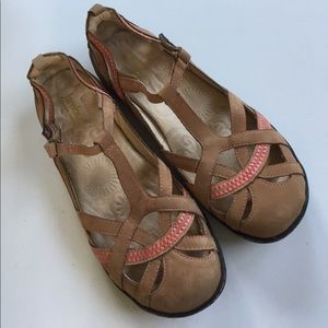 Jambu Shoes - Almost new Jambi leather shoes