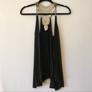 Daytrip Tops - Daytrip Sleeveless Vest Size L