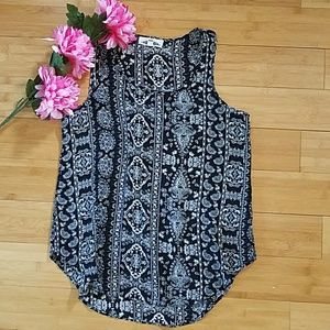 Hippie Rose Tops - Cute flowy sleeveless top