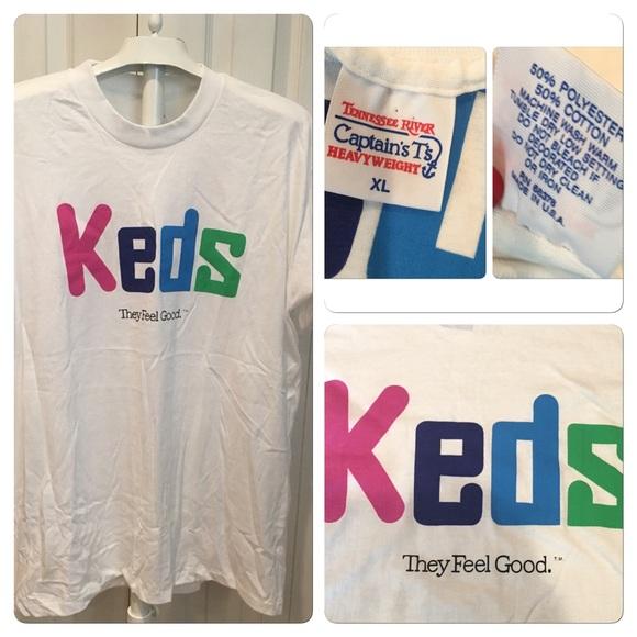 t shirt keds