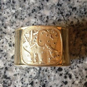 Lilly Pulitzer Jewelry - Lilly Pulitzer gold elephant cuff bracelet
