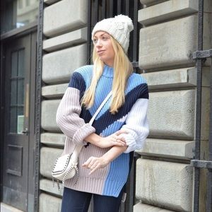 Oversize chunky knit colorblock sweater