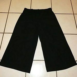 Pants - Elementz wide leg capri pants
