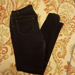 Liz Lange maternity skinny jeans