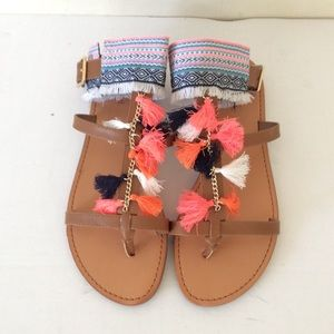 Indigo Rd. Pom Pom Sandals 8 1/2 New With Box