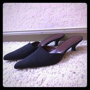 Donald J. Pliner Shoes - Donald J Pliner Kitten Heels