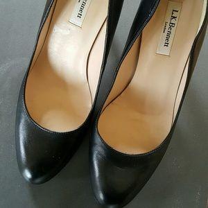 LK Bennett Shoes - L.K. Bennett Black Round Toe Pumps Size 9 1/2