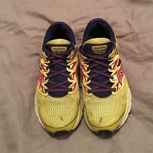 Saucony Shoes - FREE GIFT!!! Women's Saucony shoes