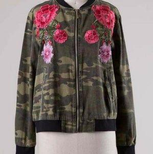 Jackets & Blazers - Floral camo bomber jacker